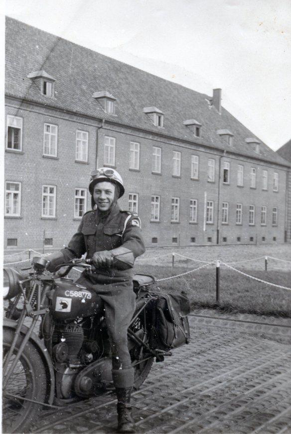 1946 john020.jpg